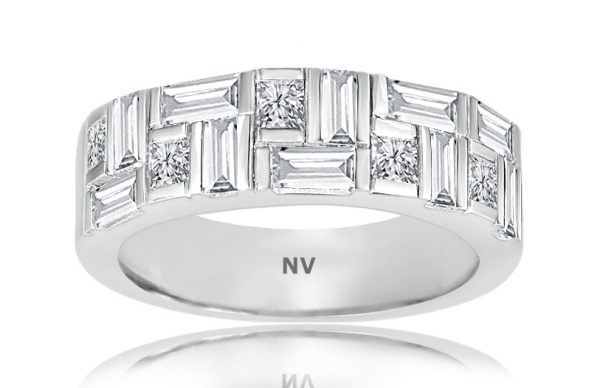 18ct white gold ladies ring set with 10 Baguettes and 5 Asscher cut diamonds.