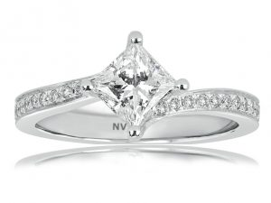 White Gold Ladies engagement ring