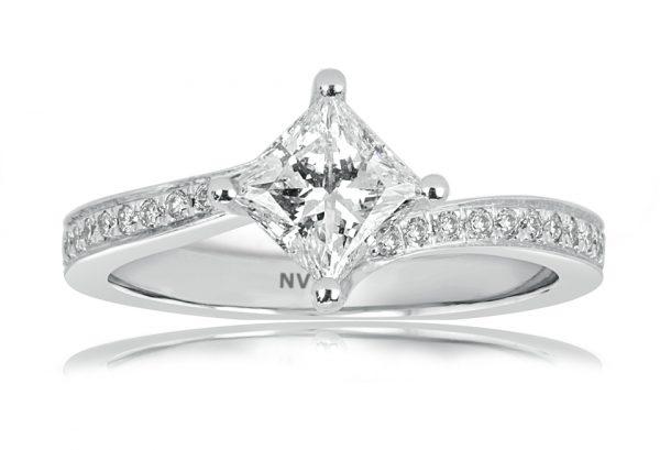White Gold Ladies engagement ring